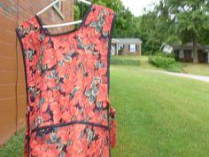 poinsetta apron by nanasthisnthat on Etsy