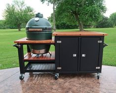 Big Green Egg Cart green houses Your place to buy and sell all things handmade Large Green Egg, Big Green Egg Table, Green Eggs, Green Egg Grill, Big Green Egg Outdoor Kitchen, Outdoor Kitchen Design, Kamado Grill, Kamado Joe, Grill Table