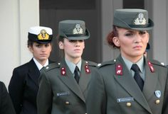Global Military Review: Female Soldiers of Hellenic Armed Forces