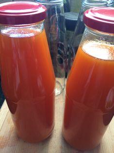 Sárgabarack ivólé, természetesen, házilag - Birtokunk Peach Juice, Drinking Tea, Levek, Pesto, Smoothies, Recipies, Sweets, Homemade, Meals