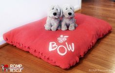 DIY Dog Valentine's Day, DIY dog bed, valentine's day, vday, v day, v-day, valentines day, dog, pet, pooch, doggy, easy, no sew, nosew, no-sew, bed, pillow, fleece