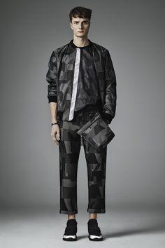 Christopher Kane Fall 2016 Menswear Collection Photos - Vogue