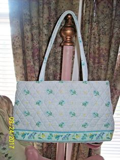 This is a Pre-owned Retired Vera Bradley Watercolor Handbag Sexy  Tote-Shoulder. It is a Retired Watercolor Pattern   was. This will make a  nice addition to ... c45a32db8c692