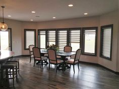 You can open, close, or louver illusion shades to allow the perfect amount of light in no matter what time of the day it is! #illusionshades #windows #diningroom