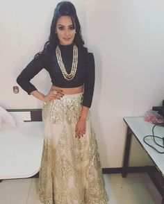 Anita Hassanandani in an outfit by Rozina for Star Parivaar Awards 2016 Indian Attire, Indian Wear, Indian Dresses, Indian Outfits, Indian Clothes, Simple Lehenga, Fancy Tops, Desi Wear, Indian Celebrities