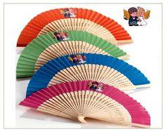 Abanico especial para novios en madera-tela. Bonitos colores surtidos. http://www.regalodetalles.es/abanico-noviosdetalles-boda-p850-p-1242.html