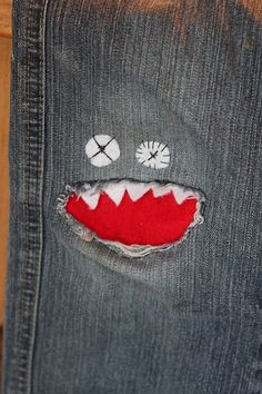 just think of a rip in your jeans as an opportunity to bring a monster to life. Perfect for kid's jeans. Sewing Hacks, Sewing Crafts, Sewing Projects, Craft Projects, Sewing Ideas, For Elise, Old Jeans, Ripped Jeans, Refashioning