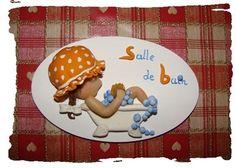 Plaques de porte... Biscuit, Decoupage, Pasta, Crafts, Craft, Paper Flowers, Poster, Cold Porcelain, Gift Ideas