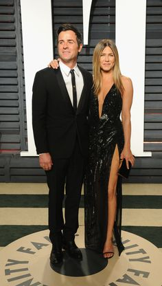 BEVERLY HILLS, CA - FEBRUARY 26: Actors Justin Theroux (L) and Jennifer Aniston attend the 2017 Vanity Fair Oscar Party hosted by Graydon Carter at Wallis Annenberg Center for the Performing Arts on February 26, 2017 in Beverly Hills, California. (Photo by Jon Kopaloff/FilmMagic) via @AOL_Lifestyle Read more: https://www.aol.com/article/entertainment/2017/02/26/vanity-fair-oscars-party-2017-red-carpet-arrivals/21722268/?a_dgi=aolshare_pinterest#fullscreen