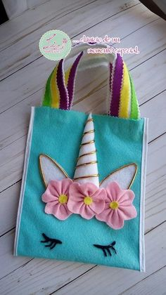 Cute Felt Unicorn Tote Bag Inspiration Kids Crafts, Diy Arts And Crafts, Felt Crafts, Fabric Crafts, Sewing Crafts, Sewing Projects, Diy Fabric Purses, Fabric Bags, Unicorn Party