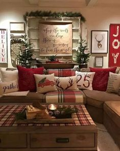rustic christmas decorating ideas home ! rustikale weihnachtsdekoration ideen nach hause rustic christmas decorating ideas home ! For Children christmas ideas Farmhouse Christmas Decor, Plaid Christmas, Christmas Music, White Christmas, Christmas Holidays, Christmas Crafts, Cabin Christmas Decor, Elegant Christmas, Coffee Table Christmas Decor
