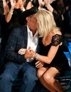 George Strait Discover Every Hopeless Romantic Should Read George and Norma Straits Love Story George Strait and wife Norma Country Music Stars, Country Music Singers, Country Artists, George Strait Son, Strait Music, Joyce Taylor, Musica Country, King George, Hopeless Romantic