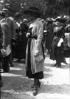 20s Fashion, Edwardian Fashion, Fashion History, Retro Fashion, Vintage Fashion, 1918 Fashion, Vintage Style Dresses, Vintage Outfits, 20th Century Fashion