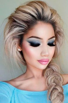 21 Sexy Makeup Ideas for Valentines Day Are you searching for trendy makeup ideas that are also sexy? Amaze your boyfriend with the totally new look inspired by this article. Sexy Makeup, Beauty Makeup, Makeup Looks, Hair Makeup, Glam Makeup, Makeup Geek, Stunning Makeup, Stunning Eyes, Amazing Makeup
