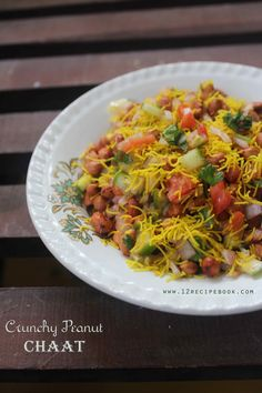 Roasted crunchy peanut salad is a quick and healthy snack to enjoy at any time. You can try this chaat with boiled peanuts also. Healthy Dishes, Healthy Salads, Healthy Recipes, Easy Recipes, Beef Recipes, Salad Recipes, Chicken Recipes, Dhokla Recipe, Chaat Masala