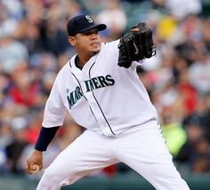 A ROYAL GEM. King Felix fires 8 one-hit innings, Seager drives in four in 7-0 #Mariners rout of Twins. 5/5/12