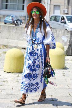 Ukrainian Embroidery Trend: Vyshyvanka Dress Vita Kin  #streetstyle Ethnic Fashion, Look Fashion, Fashion News, Boho Chic, Embroidered Clothes, Embroidered Blouse, Estilo Folk, Ukrainian Dress, Style Ethnique