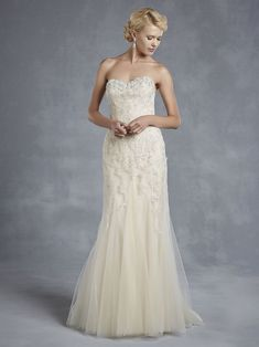 06124ee218 7 luxurious lace wedding dresses to suit every bride Wedding Dresses  Photos