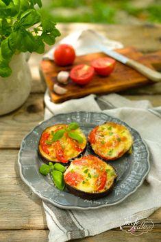 Baklažánové minipizze Avocado Egg, Eggs, Breakfast, Food, Morning Coffee, Essen, Egg, Meals, Yemek
