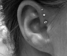 I absolutely love this triple frontal helix piercing. I absolutely love this triple frontal helix piercing. I absolutely love this triple frontal helix piercing. Piercing Tattoo, Piercing Helix Avant, Et Tattoo, Helix Piercings, Triple Piercing, Ear Peircings, Front Helix Piercing, Three Ear Piercings, Inner Ear Piercing