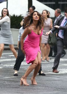 We are her to show you some hot and sexy Priyanka Chopra Boobs & clevage pics.Quantico star Alexa Pierce is too hot in bikini Bollywood Actress Hot Photos, Indian Bollywood Actress, Beautiful Bollywood Actress, Bollywood Celebrities, Bollywood Fashion, Indian Actresses, Curvy Celebrities, Actress Pics, Bollywood Actors