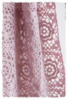 Transcendent Crochet a Solid Granny Square Ideas. Inconceivable Crochet a Solid Granny Square Ideas. Crochet Home, Love Crochet, Beautiful Crochet, Diy Crochet, Crochet Crafts, Crochet Projects, Granny Square Häkelanleitung, Granny Square Crochet Pattern, Crochet Squares
