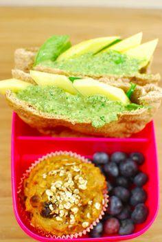 Cookies 'n Style macht nebenher auch noch mit bei der Aktion Leckerbox, die ebenfalls mittwochs stattfindet. Iht Mittagessen: gefüllte Pitatasche, dazu Vollkornmuffin und ein paar Heidelbeeren. http://cookiesandstyle.blogspot.co.at/2013/02/leckerbox-3.html