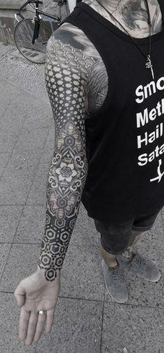 Beautiful Blackwork Sleeve by Kenji Alucky tattoo tattoos tatuajes geometricos…                                                                                                                                                                                 Más