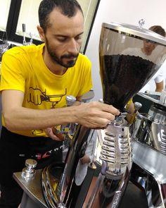 Calibrating Nino the grinder on demand made by Elektra  #Barista  #grinder  #grinders  #espresso #coffe #Elektra  #elektracoffeemachine  #umamiarea  #godina  #andrejgodina  #andreamatarangolo