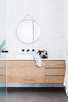 Bathroom tips, bathroom renovation, master bathroom decor and master bathroom organization! Bathrooms could be beautiful too! From claw-foot tubs to shiny fixtures, they are the bathroom that inspire me the most. Laundry In Bathroom, Bathroom Renos, Bathroom Renovations, Bathroom Ideas, Bathroom Designs, Bathroom Organization, Bathroom Goals, Remodel Bathroom, Family Bathroom