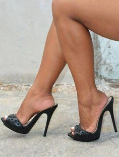 High Heel Slides & nothing but Mules Black Stiletto Heels, High Heels Stilettos, High Heel Boots, Heeled Boots, Heeled Sandals, Mules Shoes, Sexy Legs And Heels, Platform High Heels, Black High Heels