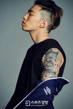 "Jay Park - Umbro ""Reborn to Heritage"" 2016 S/S Campaign Photoshoot Jay Park, Park Jaebeom, Jaebum, Rapper, Oppa Gangnam Style, Hot Asian Men, Hip Hop And R&b, Korean Entertainment, Kpop Guys"