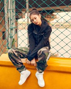 #BLACKPINK #Jennie #streetstyle #streetlook