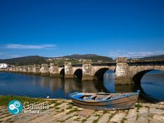 Puente de Ponte Nafonso – Noia #Galicia All Over The World, Around The Worlds, Love Bridge, Different Perspectives, Medieval, Portugal, Gap, Environment, Landscape