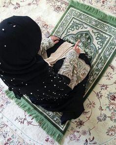 Light Headed And Dizziness - Dizziness Art Trippy - Dizziness Tremaine - Dizziness Photography Pictures - - Anime Muslim, Muslim Hijab, Cute Muslim Couples, Muslim Girls, Islamic Images, Islamic Pictures, Islamic Quotes, Hijabi Girl, Girl Hijab