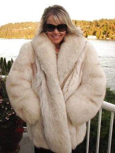 Fur Fashion, Winter Fashion, Womens Fashion, White Fox, Blue And White, Fabulous Fox, Fox Fur, Fur Jacket, Coats For Women