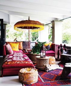 bohem stilli oturma odaları-Boho-chic living rooms - Amazing Homes Interior Bohemian Porch, Bohemian Interior, Bohemian Style, Bohemian Summer, Interior Desing, Interior And Exterior, Luxury Interior, Kitchen Interior, Decoration Inspiration