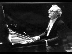 """Brendel plays Beethoven Piano Sonata No.18, Op.31 No.3 (2/2) - """"The Hunt"""" - III. Menuetto: Moderato e grazioso, IV. Presto con fuoco"""