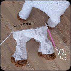 Samyelinin Örgüleri: CUTE CALF PATTERN (Free English Pattern) Crochet Horse, Crochet Unicorn, Crochet Bear, Animal Knitting Patterns, Crochet Amigurumi Free Patterns, Stuffed Animal Patterns, Crochet Baby Toys, Crochet Projects, Siberian Tiger