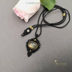 Macrame Gemstone Necklace with Gold Labradorite Macrame Necklace, Macrame Jewelry, Gemstone Necklace, Crystal Necklace, Boho Jewelry, Sliding Knot, Metallic Thread, Metal Beads, Labradorite