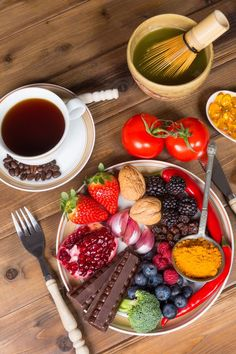 COFFEE, TEA, TURMERIC & BEYOND: ZERO IN ON ESSENTIAL POLYPHENOLS. Spot this valuable class of antioxidants in common foods and spices. Unravel the riddle of polyphenols.