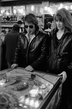 Françoise Hardy and Jacques Dutronc photographed by Benoit Gysembergh (Paris Match) in 1980
