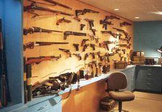 Secret gun room/Reloading room
