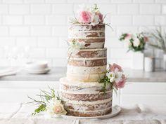 So bereitest du eine Naked-Cake-Hochzeitstorte zu