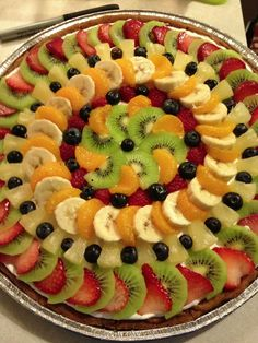 Best 11 Getting Creative with Fruits and Vegetables: Cute Crea – SkillOfKi… Los 11 mejores Creatividad con frutas y … Fruit Buffet, Fruit Dishes, Fruit Trays, Fruit Recipes, Dessert Recipes, Fruit Creations, Food Carving, Food Garnishes, Veggie Tray