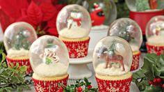 ΑΠΙΣΤΕΥΤΗ ΙΔΕΑ!! Φτιάχνουμε Cupcakes με Χιονόμπαλες από Ζελατίνη που τρώγονται!!