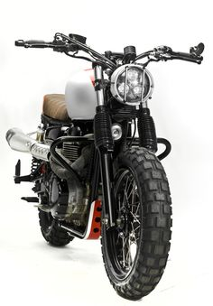 Scrambler Triumph Bonneville Pictures and Features - Custom Motorcycles & Classic Motorcycles - BikeGlam Triumph Bonneville T100, Triumph Scrambler, Triumph Motorcycles, Indian Motorcycles, Scrambler Custom, Scrambler Motorcycle, Moto Bike, Vintage Motorcycles, Custom Motorcycles