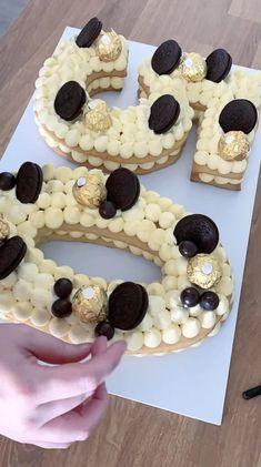 Number Birthday Cakes, Cookie Cake Birthday, Number Cakes, Cake Decorating Videos, Cake Decorating Techniques, Cookie Decorating, Cookies Et Biscuits, Sugar Cookies, Strawberry Cream Cakes