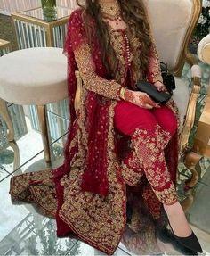 Beautiful Pakistani Dresses, Pakistani Formal Dresses, Pakistani Dress Design, Pakistani Clothing, Pakistani Fashion Party Wear, Pakistani Wedding Outfits, Bridal Outfits, Desi Wedding Dresses, Party Wear Dresses
