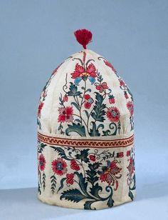 Cap  Mid-18th century  Unknown artist    dress maker  Technique    Chintz  Dimensions    h. 28 cm; diam. ca. 16 cm  Object number    BK-1978-792